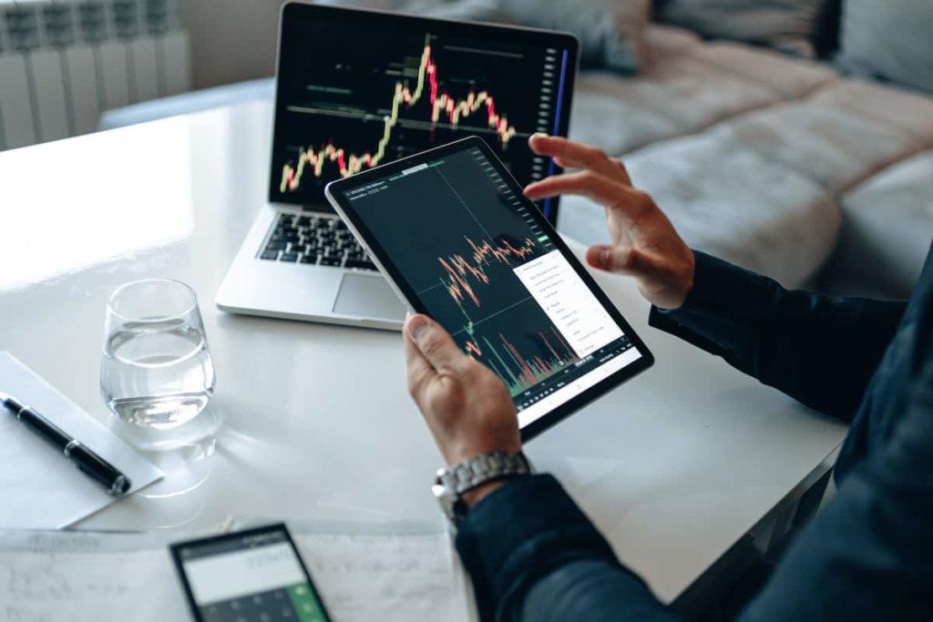 How Much Do Stockbrokers Make? 1