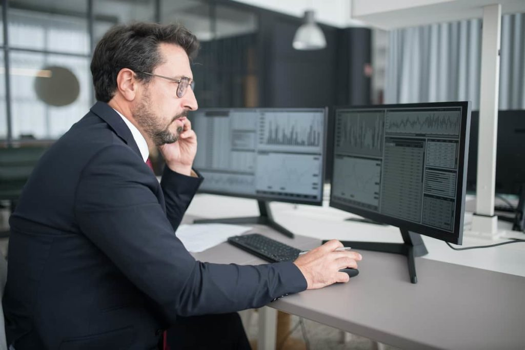 How To Be A Stock Broker